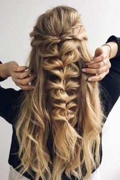 Latest Box Braids hairstyles Latest Box Hair Styles For Beautiful African Women, These are the most lovely box braids hairstyles you'. Pretty Braided Hairstyles, Box Braids Hairstyles, Down Hairstyles, Twisted Hairstyles, Wedding Hairstyles, Hair Updo, Fishtail Hair, Spring Hairstyles, Hairstyle Ideas