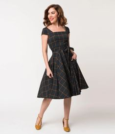 From plaid mod dresses from the to gingham sundresses from the you'll find vintage plaid clothing of every style from Unique Vintage. 60 Fashion, Vintage Fashion, Fashion Outfits, Fashion Clothes, Modern Fashion, Unique Dresses, Modest Dresses, Elegant Dresses, Prom Dresses