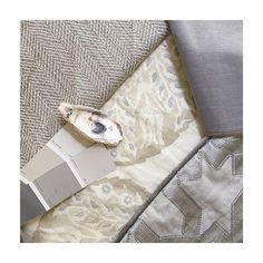 [Textile Tuesday] scheming up something pretty!  #southernstyle #southerninteriors #shannonmahoninteriors #timelessdesign #customresidental #itsallinthedetails #detaileddesign #interiors #design #homedecor #instainspo #instastyle #instahome  #liveableliving #textiles