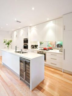 Choosing Your New Kitchen Countertops Stone Benchtop Kitchen, Kitchen Countertops, Kitchen Living, New Kitchen, Compact Kitchen, Kitchen White, Kitchen Ideas, Kitchen Handles, Kitchen Cupboards