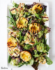 Low Carb Vegetarian Recipes — Grilled Peach And Halloumi Salad with Lemon Pesto Dressing Easy Vegetarian Dinner, Low Carb Vegetarian Recipes, Cooking Recipes, Cooking Food, Vegetarian Cooking, Easy Cooking, Vegetarian Wedding Food, Vegetarian Pesto, Fig Recipes