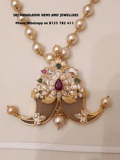 Mens Gold Jewelry, Bridal Jewelry, Beaded Jewelry, Pearl Necklace Designs, Gold Earrings Designs, Antique Jewellery Designs, Gold Jewellery Design, Jewelry Model, Gold Pendant
