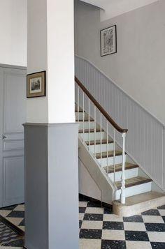 1000 id es sur le th me peinture de l 39 escalier sur - Couloir avec escalier ...