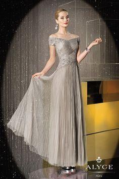 Elegant Evening Dresses with Sleeves | SIMPLE ELEGANCE
