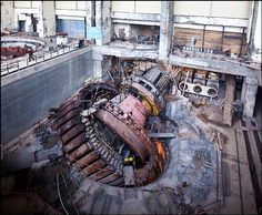 Sayano–Shushenskaya hydroelectric power station accident turbine 2 ==> Link in bio to get your cables clutter free. Chernobyl 1986, Oil Rig Jobs, Chernobyl Nuclear Power Plant, Hydroelectric Power, Nuclear Disasters, Sad Pictures, Industrial Photography, Abandoned Buildings, Historical Photos