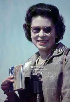 Queen Elizabeth Ii with her Leica camera during the Badminton Horse Trials in Gloucestershire, circa April Hm The Queen, Her Majesty The Queen, Save The Queen, Queen Mary, Santa Lucia, Salma Hayek, Leica Camera, Badminton Horse Trials, Young Queen Elizabeth