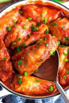 Low Carb Recipes For the heartiest, most soothing recipes, look no further than these low carb and keto cabbage rolls! Stuffed with delicious beef and veggies and cooked in a flavorful sauce — your new family favorite awaits! Low Carb Keto, Low Carb Recipes, Diet Recipes, Healthy Recipes, Soup Recipes, No Carb Snacks, Brunch Recipes, Healthy Foods, Cauliflowers