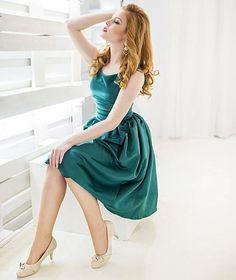 Náherná Lenka v šatičkách z podzimní kolekce LindyBop. #poshme #poshmecz #jsemposh #dress #iloveretro #retro @nikolobrova Ballet Skirt, Retro, Hot, Skirts, Instagram Posts, Fashion, Moda, Fashion Styles, Skirt
