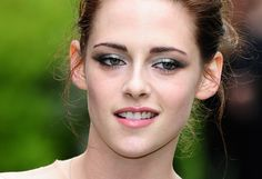 Kristen Stewart's Light Blue Eye Makeup