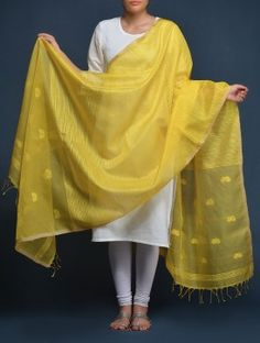 Yellow Lotus Buti Silk Dupatta complimenting the simple and sleek white suit Salwar Kameez Simple, Salwar Kurta, Chudidhar Designs, Kurta Designs, Cotton Lehenga, Silk Dupatta, Indian Attire, Indian Wear, Indian Dresses