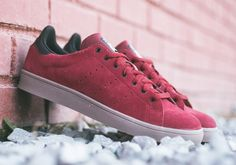 "adidas Originals Stan Smith Vulc ""Burgundy"" Burgundy Sneakers, Adidas Stan Smith, Sneaker Magazine, Nike Sb, Yeezy, Red Shoes, Men's Shoes, Beckham, Clothes Horse"
