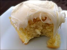 Elle.Beau.Grease.: Moist Lemon Cupcake Recipe
