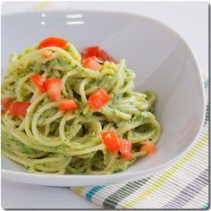 #Espaguetis con #salsa de #brócoli tipo #pesto.