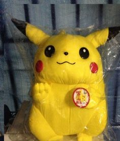 Nintendo Pokemon Plush PIKACHU - 28 cm Nintendo http://www.amazon.co.uk/dp/B00JDWRG8A/ref=cm_sw_r_pi_dp_3b0-vb1CRAA90