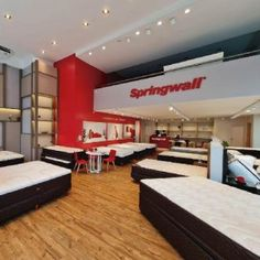 Diseño y construcción de locales comerciales – Belgrano- Springwall – MZ LATAM Basketball Court, Commercial Architecture, Architectural Firm, Stained Glass Designs, Mezzanine, Light Shades