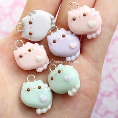 Here's a handful of pusheens✨ I made 2 new charms today and I can't wait to post them!! I also started school today... But that won't effect my crafting I promise!!✌️
