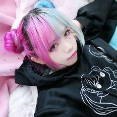 Mode Kawaii, Kawaii Girl, Harajuku Girls, Harajuku Fashion, Pastel Goth Fashion, Kawaii Fashion, Cosplay Kawaii, Ulzzang Hair, Body Poses