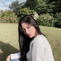 Wiz*one — Kwon Eunbi Black Hair Japanese, Girls Run The World, Japanese Girl Group, Short Black Hairstyles, The Wiz, Kpop Girls, Anime Girls, Foto E Video, Girl Photos