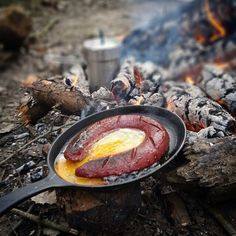 Yumurtalı sucuk... #breakfast #saturday #food #instafood #outdoorcooking…