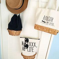 オール100均 カゴバッグの作り方 3 : ノープラン生活 100均リメイクにセルフリノベDIYを気の向くままに Jute Bags, Basket Bag, Quilted Bag, Handmade Bags, My Bags, Leather Wallet, Sewing Crafts, Diy And Crafts, Reusable Tote Bags