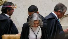 Brasil: Supremo nega habeas corpus preventivo a Lula. Por 6 votos a 5, os ministros do Supremo Tribunal Federal decidiram, na madrugada desta quinta-feira (5), negar o habeas corpus preventivo ao ex-presidente Luiz Inácio Lula da Silva, autorizando a sua prisão após o fim do processo em segunda instância no qual o ex-c