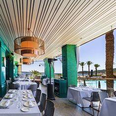 ¿Que tal el fin de semana? ¿No os habría apetecido estar comiendo al borde del mar en @tatelrestaurants de Ibiza? #lighting #felizlunes #ibiza #restaurante #lamparas #dajor