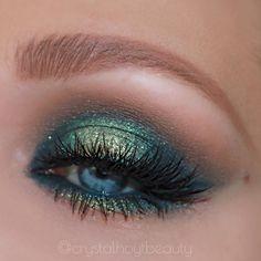 Green Eyeshadow Looks Ideas - Make-up Green Eyeshadow Look, Makeup For Green Eyes, Blue Eye Makeup, Colorful Eye Makeup, Dark Makeup, Blaues Make-up, Eyeshadow Tips, Crazy Eyeshadow, Eyeshadow Techniques