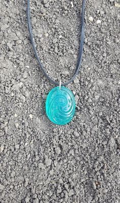 By popular demand, the artists at Shinka Studios have crafted a necklace using the Heart of Te Fiti from Disney's Moana! Each stone is handmade and suspended via an aluminum link and leather necklace. Diy Crafts Jewelry, Cute Jewelry, Jewelry Accessories, Mermaid Ring, Mermaid Outfit, Sea Glass Necklace, Pendant Necklace, Heart Of Te Fiti, Princess Crafts