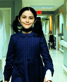 esther orphan gif at DuckDuckGo Movie Gifs, Movie Tv, Orphan Movie, Divas, Different Colored Eyes, Sing To Me, Rock Bottom, Film Aesthetic, Film Serie