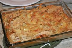 The German Macaroni cheese gratin is a German vegetarian pasta dish that is inexpensive, easy to make and very healthy. You can use any pasta for this dish. Vegetarian Pasta Dishes, Vegan Dishes, Macaroni Cheese, Mac And Cheese, Austrian Recipes, German Recipes, Austrian Food, Vegetable Dishes, Vegetable Recipes