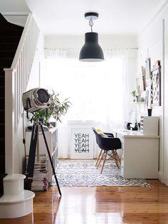 desk study nook white Walsh home Room Interior, Interior Design Living Room, Luxury Interior, Best Interior Design Apps, Study Nook, Study Space, Workspace Inspiration, Architecture, Decoration