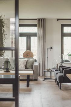 Sleek rural interior in Meerveld Home And Living, Living Room, Apartment Interior, Home Textile, Interior Styling, Interior Inspiration, Decoration, Home Furniture, Sweet Home