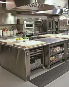 Modern Restaurant Kitchen Design Ideas 28 Time and again, I have heard it said that restaurant kitchen business is one of the most lucrative businesses you … Bakery Kitchen, Hotel Kitchen, Restaurant Kitchen, Restaurant Design, Kitchen Decor, Pub Decor, Kitchen Furniture, Furniture Design, Industrial Kitchen Design