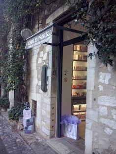 France - Saint Paul de Vence e i profumi della storica maison di Grasse.