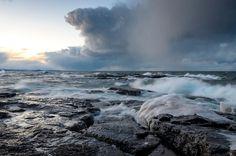 Storm clouds moving over Lake Superior and waves crashing ashore at the rugged Black Rocks of Presque Isle Park. Wooden Boat Plans, Boat Building Plans, Upper Peninsula, Black Rock, Lake Superior, Great Lakes, Natural Wonders, Nature Photos, Michigan