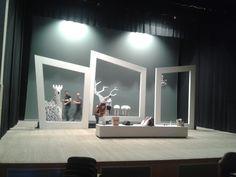"""Los alumnos de tercer curso de Estudios Superiores de Interiorismo de la EASDAlcoy realizaron, en colaboración con el Conservatorio Profesional de Música d'Ontinyent, la escenografía de la ópera """"B..."""