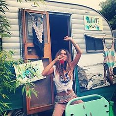 Hippie lifestyle boho chic outfit. For the BEST 2015 Bohemian fashion trends FOLLOW http://www.pinterest.com/happygolicky/the-best-boho-chic-fashion-bohemian-jewelry-gypsy-/ now