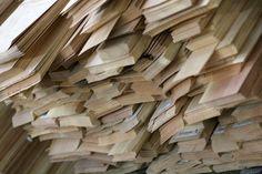 I mobili morelato sono fatti per durare una vita. I legni impiegati variano secondo la loro funzione nel mobile. Tra i più utilizzati ci sono: Noce canaletto, ciliegio, acero, rovere, zebrano, wengè, ebano