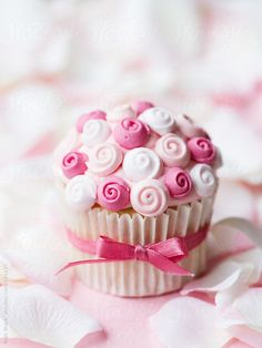 Stocksy United – Premium, royalty-free stock photography and cinematography – Cupcakes - Gallery by Ruth Black – Cupcakes by Ruth Black Cupcakes Roses, Black Cupcakes, Fondant Cupcake Toppers, Pretty Cupcakes, Rose Cupcake, Cupcake Cakes, Heart Cupcakes, Cupcake Vintage, Petit Cake