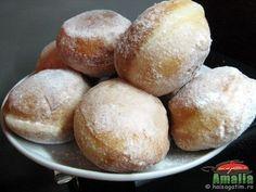 Gogosi pufoase Bread Rolls, Macarons, Food Videos, Quiche, Hamburger, Tart, Sweets, Baking, Losing Weight