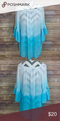 ✨Ombré Top✨ Bali Queen. Light and flowy, 3/4 length sleeve. Material unknown, but soft material! Size S/M  💕Need any other information? Measurements? Materials? Feel free to ask! 💕Unfortunately, I am unable to model items!  💕Don't be shy, I always welcome reasonable offers! 💕Fast shipping! Same or next day! 💕Sorry, no trades!  Happy Poshing!☺️ Tops