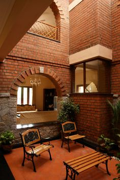 Centre for Vernacular Architecture Trust :: Gallery Indian Home Design, Kerala House Design, Modern House Design, Kerala Architecture, Brick Architecture, Vernacular Architecture, Brick House Designs, Brick Design, Courtyard House Plans