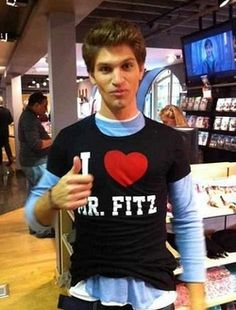 Keegan Allen my tobyyyyy only pretty little liar fans understand and I want his shirt