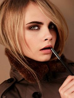 Cara Delevingne fronts Burberry Beauty's colour collection, set to launch in August. The make-up look was created by Burberry Beauty artistic consultant, Wendy Rowe. Beauty Make-up, Beauty News, Beauty Hacks, Hair Beauty, Winter Makeup, Fall Makeup, Makeup Trends, Makeup Ideas, Makeup Tips