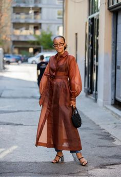 How to Wear Puff Sleeve Dresses, Tops, Jackets, and Coats | POPSUGAR Fashion Stockholm Fashion Week, Copenhagen Fashion Week, Star Fashion, Look Fashion, Fashion Trends, Fashion Inspiration, Spring Fashion, Copenhagen Street Style, Blazers