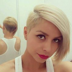 If you are a woman looking for new, modern short haircuts you are the right page! In this post we will talk about really chic and modern short hair ideas that. Stacked Bob Hairstyles, Hairstyles For Round Faces, Cute Hairstyles, Ladies Hairstyles, Modern Hairstyles, Short Hair Styles For Round Faces, Short Hair Cuts, Modern Short Haircuts, Shaggy Bob Haircut