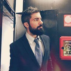 @jackviss    #instaphotos  #barbudosepeludos #beardedandhairy #barbudos #bearded #peludos #hairy #barba #beard #pelos #barbaepelos #homens #boys #men #brazil #world #followme #fanfab #naodepileapare by barbudosepeludos