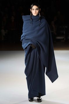 Yohji Yamamoto Autumn-Winter 2015-2016 (Fall 2015) Ready-to-Wear, shown February/March 2015