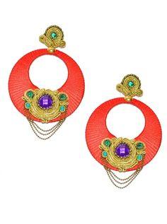 Complementos de flamenco. Aro en color rojo con aplicaciones de soutache en dorado y piedra facetada morada.