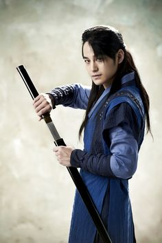 7 Photos of Hidden Identity's Kim Bum looking like a sexy bodyguardWatch out! When he became Kim Tae Do in Goddess of Fire, he was fierce. He protected Yoo Jung (Actress Moon Geun Young) and practiced martial arts in the historical series.